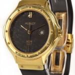 Hublot ladies 18k gold watch image 2