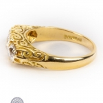 18ct gold diamond three-stone ring image 3