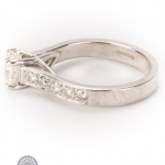 18ct gold diamond ring image 3