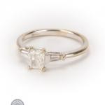 18ct gold diamond ring image 2
