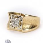 14ct gold diamond single-stone signet ring image 2
