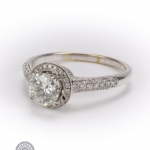 Brilliant-cut diamond ring image 2