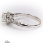 Brilliant-cut diamond ring image 3